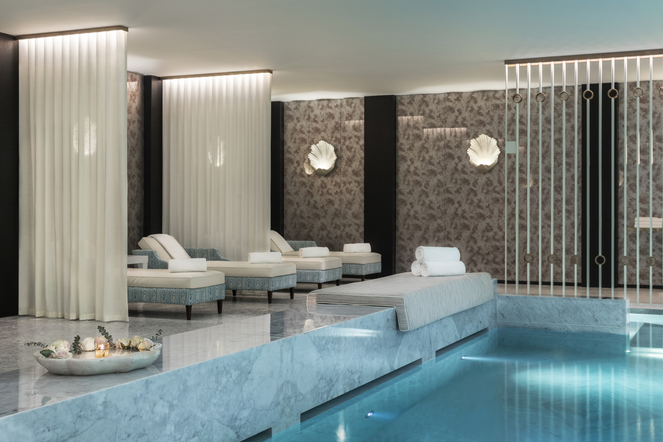 Luxury boutique hotel Porto Portugal Maison Albar Le Monumental Palace 5 stars Nuxe Spa swimming pool