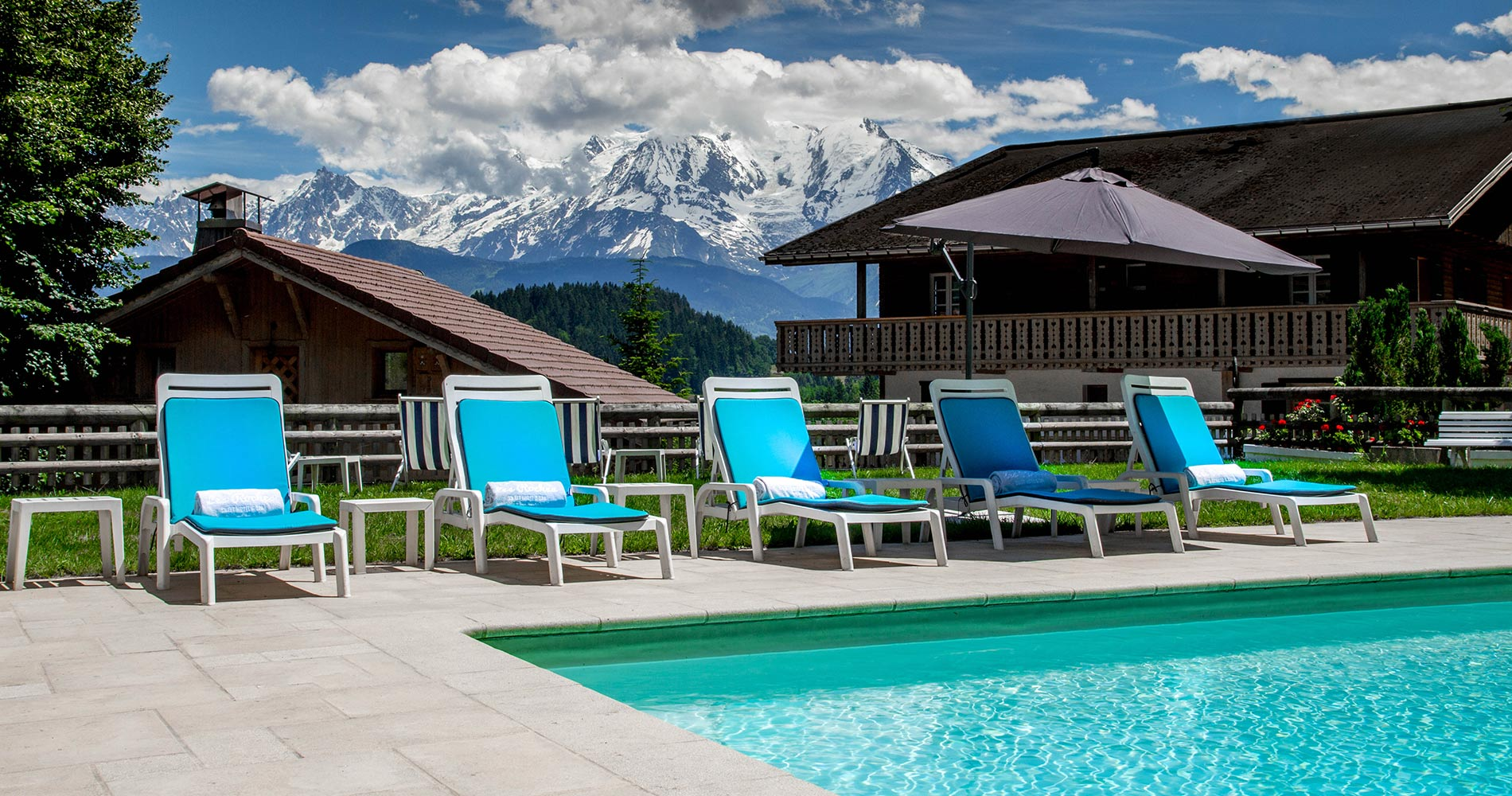 luxury chalet Les Roches Hotel & Spa 4 stars Cordon Savoie France swimming pool with montagne view