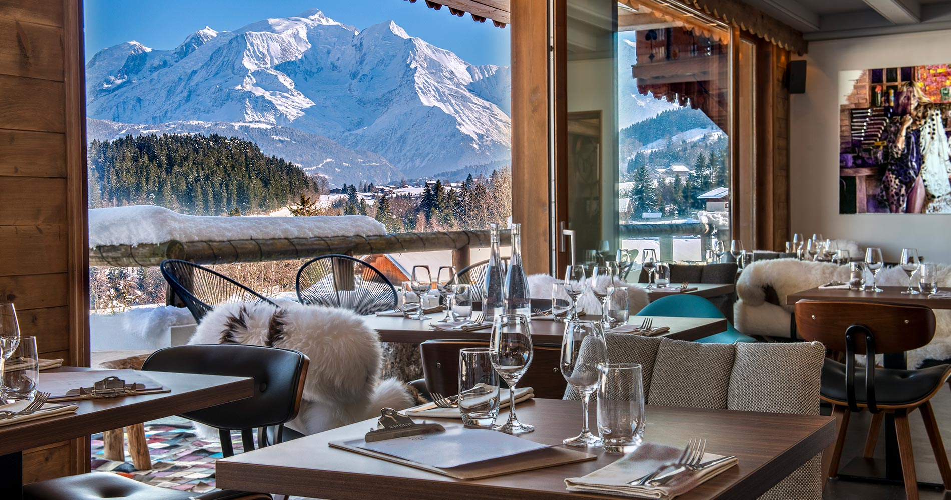 luxury chalet Les Roches Hotel & Spa 4* Cordon Savoie France restaurant with montagne view
